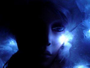 Blue-Light-GirlsSquare