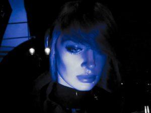 Elle-in-blue