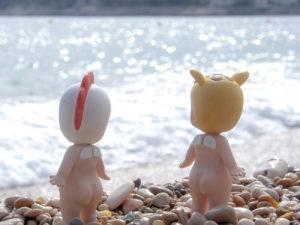 Cassis Beach – Angels 30X30 Square copie