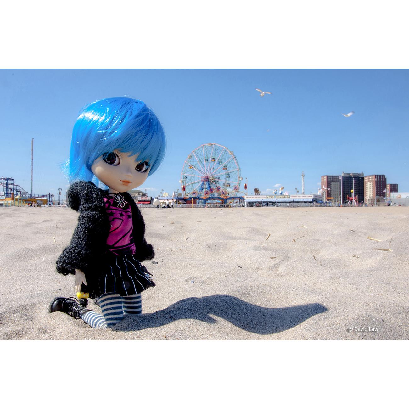 Coney Island Beach DOLL 20×30 copie