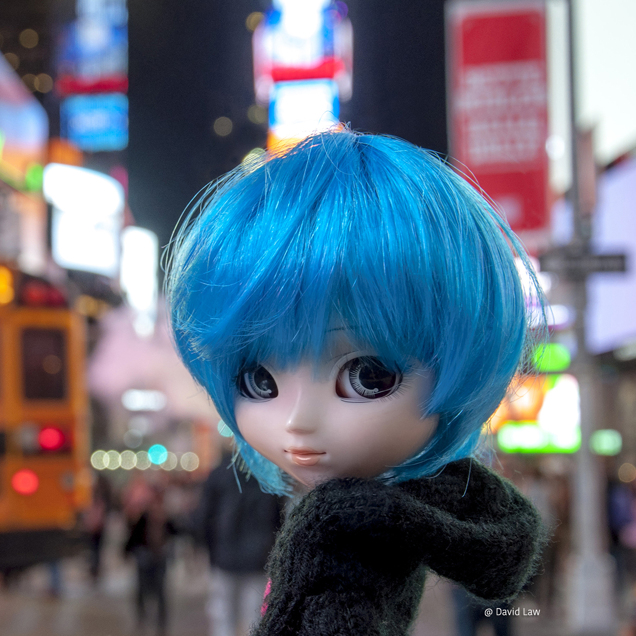 Times Square II Doll 30×30 copie
