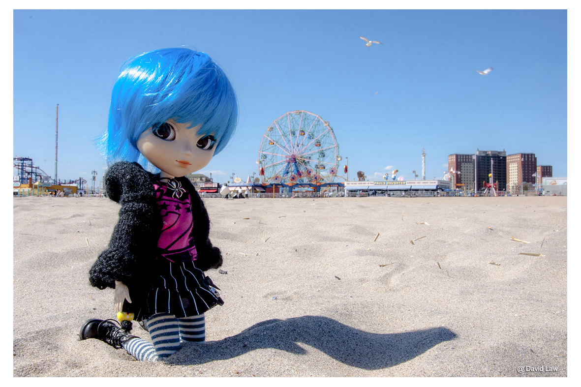 Coney Island Beach DOLL ldh s0220