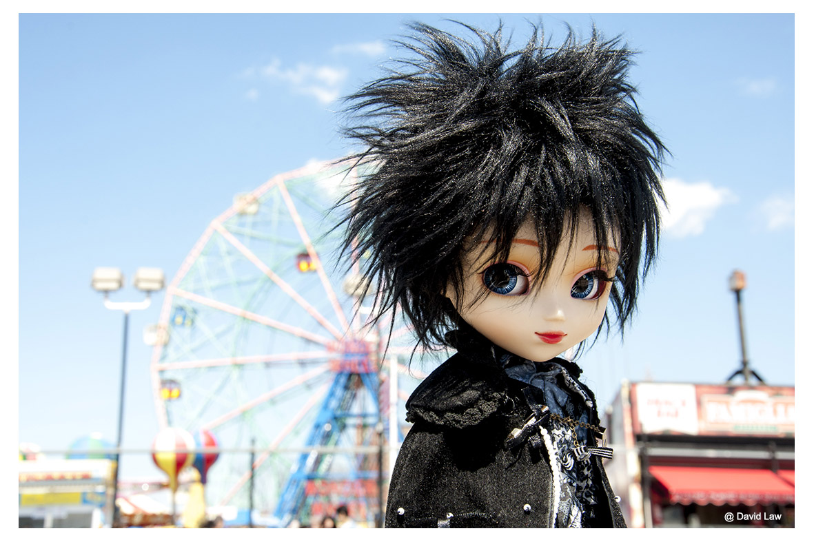 Coney Island Doll III ldh s0220