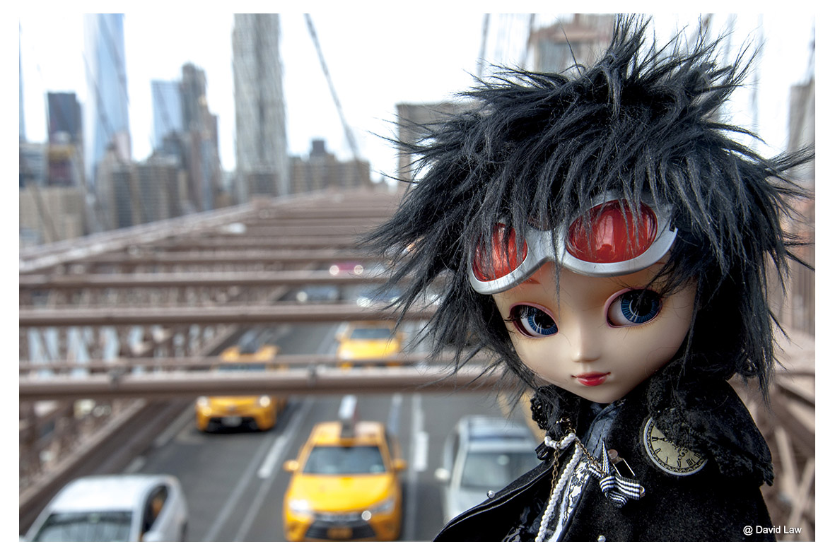 The Brooklyn Bridge Doll III ldh s0220