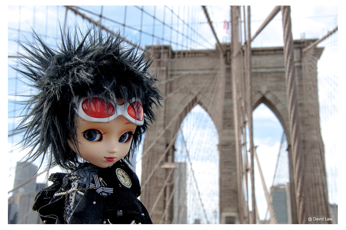 The Brooklyn Bridge Doll ldh s0220